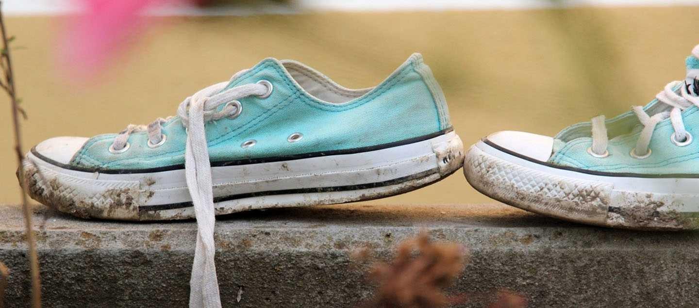 Blå mudrede sko